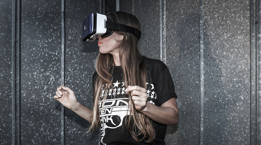 woman vr - Sensics and Their Flagship Product - The Smart Goggles Release